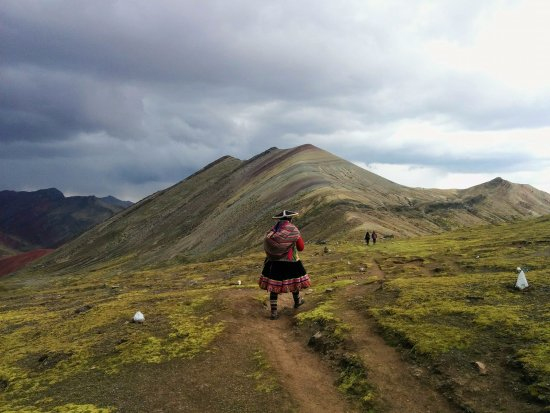 rainbow-mountain-palcoyo